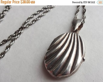 SALE Scalloped Sterling Silver Locket