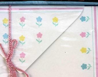 STATIONERY set by SANGAMON - vintage - FLOWERS - boxed  - matching envelopes