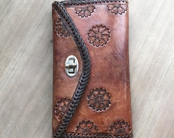 20% OFF 1970's Hand Tooled Brown Leather Wallet by Maeberry Vintage