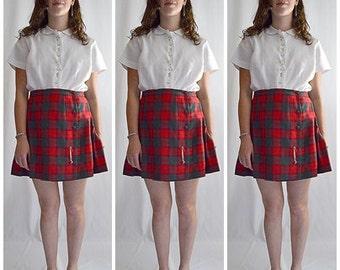 Vintage Red and Green Wool Pleated Kilt Mini Skirt 30 Inch Waist