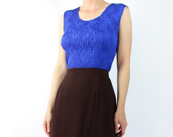 VINTAGE 1990s Crinkle Top Blue Sleeveless