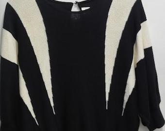 "Vintage 1980's - ""Savion"" Black & White Acrylic Parvenu Sweater - Size 12 -"