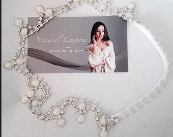 Pearl wedding garter adjustable - One size fits all - Luxe garter collection - Pearla - ivory - pearl drop