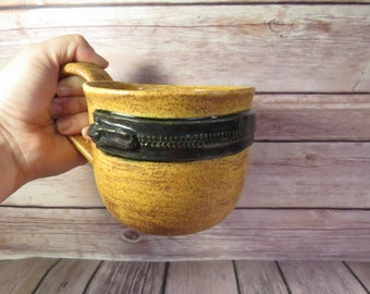 Brown zipper mug