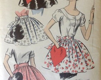 Vintage Advance Pattern 8463 One Size Sew-easy Apron with Novelty Pockets