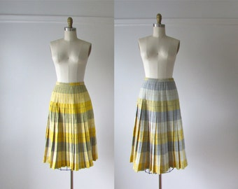 vintage 1950s skirt / 50s wool plaid skirt