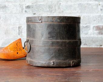 Reclaimed Vintage Industrial Metal Planter Pot Flower Vase Farm Chic Boho Metal Can Indian Metal Home Decor