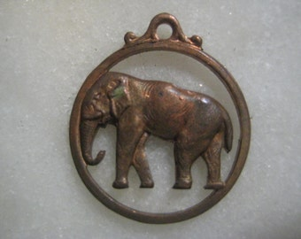 Vintage Elephant Charm, 1950s Round Openwork Stamped Raw Patina Brass Circle Pendant Drop Jewelry Finding, Integrated Top Loop 20mm, 1 pc.