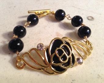 Black Bracelet - Gold Jewellery - Flower Jewelry - Wire Wrapped - Fashion - Trendy - Crystals