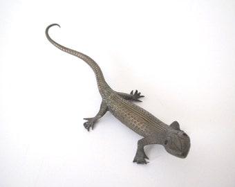 Vintage brass gecko/ brass lizard/mid century decor
