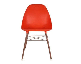 SET of 4 Shell Chairs - Vintage - Mid Century - Shamrock - Neatway - Molded Plastic - Eames Era - Orange