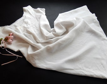 French Vintage Chemise Nightgown Fine Linen with Exceptional Embroidery