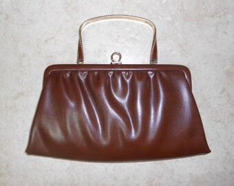 Vintage 1970s ANDE brown pleather pleated clutch with convertible handle