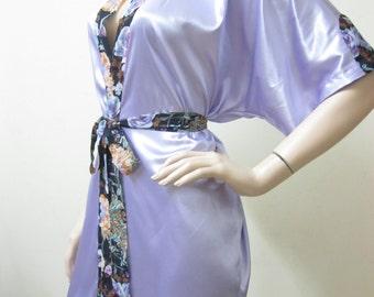SALE LILAC Bridesmaid Robes, wedding robes, bridesmaid silk robe, dressing gown, personalized robe, kimono robes, floral robe, bridal robe