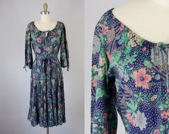 1970s Vintage Neiman-Marcus Floral Elastic Shoulder Boho Midi Dress (S, M)