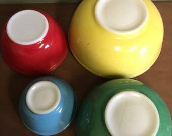Pyrex Primary Colors 4 Bowl Set