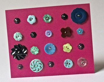 Vintage Buttons in assorted Flower Designs for Sewing and Crafting