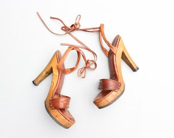 authentic 70s platform ankle wrap heels - 1970s wood high heel stilettos / Disco strappy sandals - brown leather heels / 70s bohemian shoes