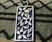 Vintage Sterling Silver Inlay Blue Lapis Lazuli Stone 2 Sided Flower Pendant