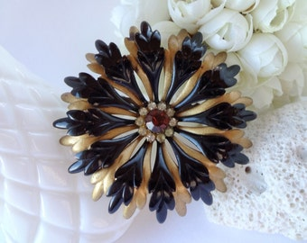 Black and Gold Dimensional Flower / Vintage Metal / Brooch Bouquet Supplies / Enamel Flower / Old Jewelry