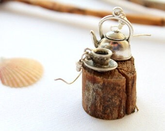 Teapot & cup earrings