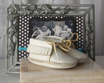 Vintage Baby Moccasins  Soft White Leatherette Photo Prop Baby Shower Nursery Decor Vintage 1980s
