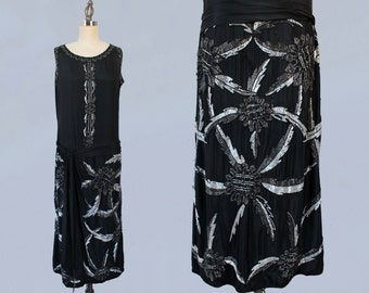 1920s Dress / 20s Beaded DECO Flapper Dress / Black and White WRAP Style Dress
