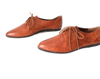 women's size 11 oxford caramel BROWN leather OXFORD flats vintage flats rare size