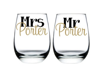 Mr. & Mrs. Wine Glasses, Bride Gift, Groom Gift, Wedding Couple Gift, Mr. and Mrs. Custom Wine Glasses, Bride and Groom