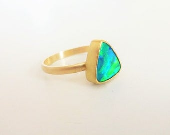 Triangular Australian Opal doublet ring, 14K Gold ring 18K gold bezel setting, Fully saturated Opal, Blue & Green flashes - Size 5.5