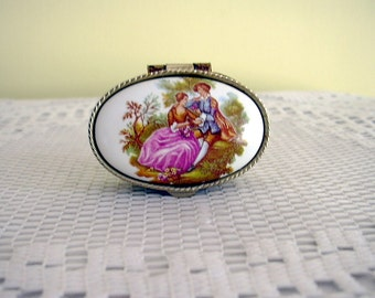 Vintage Fragonard Love Story Ornate Oval Pill Box Pillbox Miniature Italian Box Gold Tone Metal Collectible