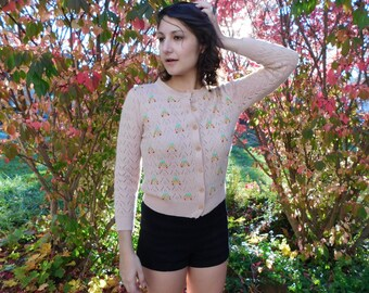 Vintage Pale Pink Pointelle Knit Pin-Up Sweater With Embroidered Cherries Rockabilly Bombshell Cardigan