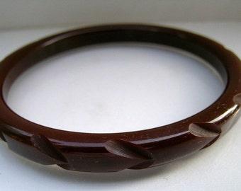 Chocolate carved bakelite bangle          VJSE