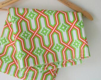 Vintage RETRO FABRIC....vintage supplies. retro supply. retro. sewing. crafts. mod. retro. vintage fabric. 1970s. disco. swirls. atomic