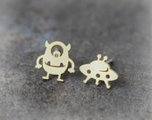 Alien and UFO Earrings / choose your color, gold and silver
