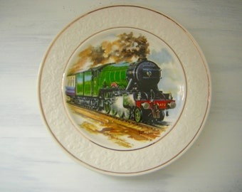 Vintage Decorative  Wall Plate The Flying Scotsman Steam Train