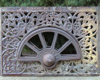 Iron Grate / Vintage Iron Grate / Architectural Salvage / Cast Iron Grate / French Iron Grate / Industrial Iron Grate / Ornate iron Grate