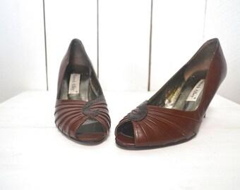 Peep Toe Pumps - 1970s Brown Leather Faux Snake Skin Heels - Vintage High Heels - US Size 8 1/2