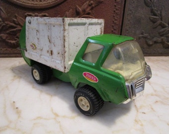 Vintage 1960s era, lime green and white, 'Tonka' waste disposal truck!