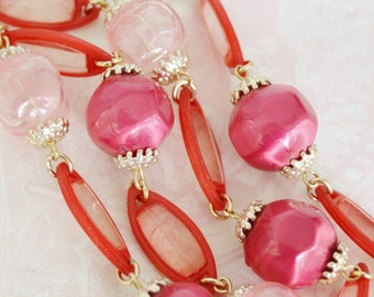 Vintage Single Strand Necklace with Pink and Burgundy Plastic Beads Made in Japan