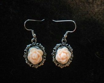 Rose resin earrings