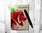 Gratitude journal.  Blank notebook, diary, sketchbook: Gratitude (macro floral photo) Personal notebook.