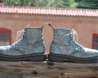 Vtg. Dr Marten Air Wair short leather boots patterned US womens 7 UK 5