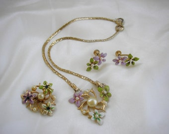 Enamel Parure Faux Pearl Necklace and Screwback Earrings and Matching Brooch Full Parure Vintage Jewelry Priscilla's Pink Closet