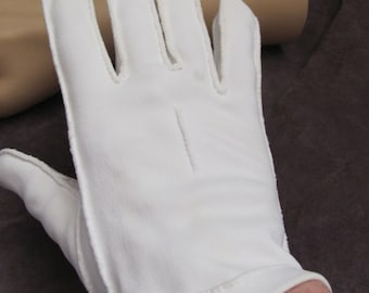Beautiful Ivory Off White Ladies Wrist Gloves (09M)