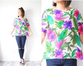 20% OFF HALLOWEEN SALE Vintage Small Floral boho shirt // tropical summer blouse // bright floral top // small shirt // green pink purple fl