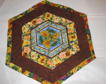 Handmade  Quilted Table Runner Topper Sunflowers Flowers Floral Spring Summer