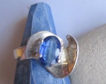 Blue Kyanite Ring ./. Artisan Silver Ring ./. Bague Pierre Bleue ./. OOAK Handforged Ring ./. Made in Sweden ./. Bague Argent ./. Kyanite