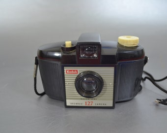 Vintage Kodak Brownie 127 Camera - We have a vintage camera for you