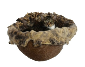 Cat Bed - Felted Wool Fleece Cat Basket - Dorset FinnSheep Cross - Kat's Cradle - Supporting Small US Farms - Ready to Ship